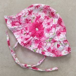 'Ollie's Place' baby sun hat - size 3-6 months